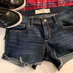 ABERCROMBIE & FITCH short perfect for summer